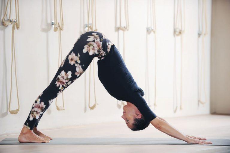 iyengar joga, položaj strešice, Urška B. Križaj